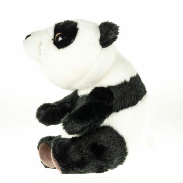 Dryly knuffel Wizzu de pandabeer vanaf zijaanzicht